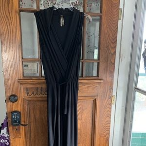 Other - Black Sleeveless Jumpsuit